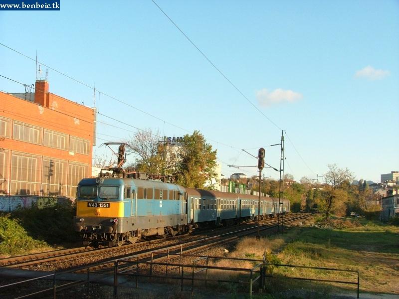 V43 1351 érkezik a Déli pályaudvarra fotó