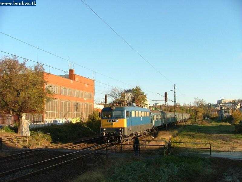 V43 1181 a Déli pu. után fotó