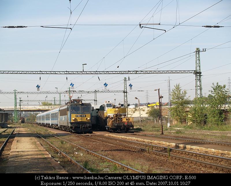 V63 014 Nagytétény-Diósd állomáson fotó