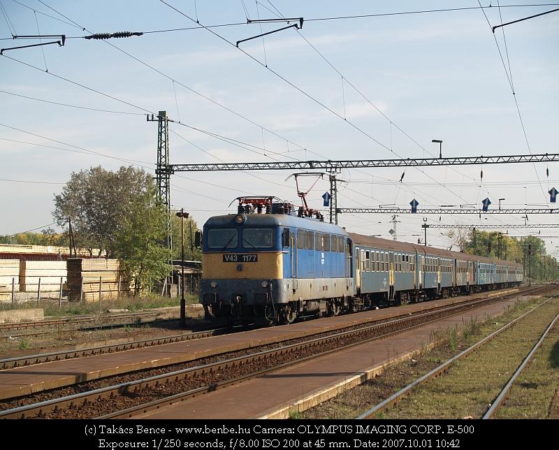 V43 1177 Nagytétény-Diósd állomáson fotó