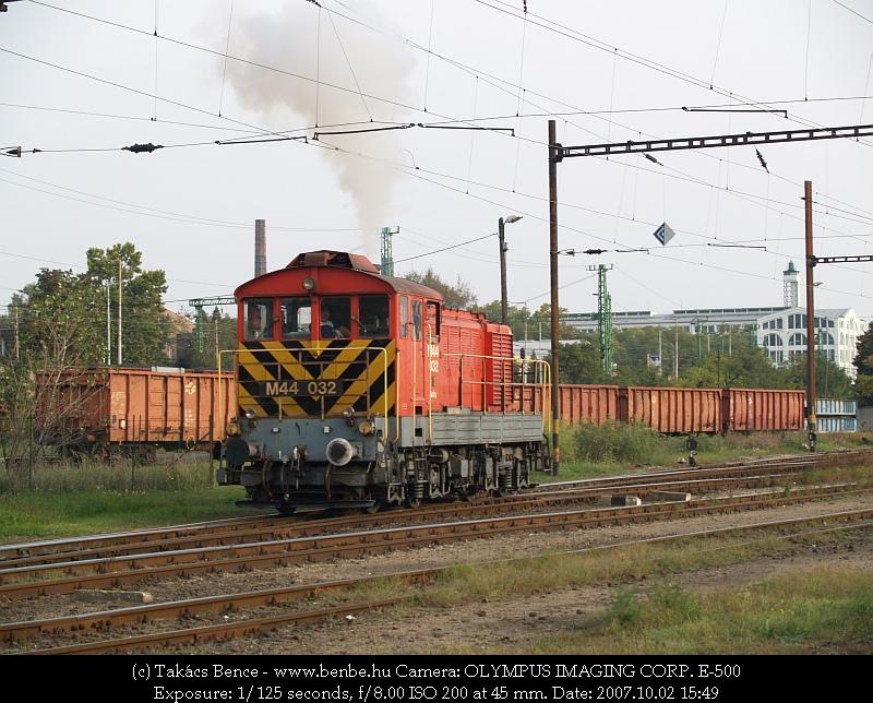 M44 032 Soroksári út rendezõben fotó