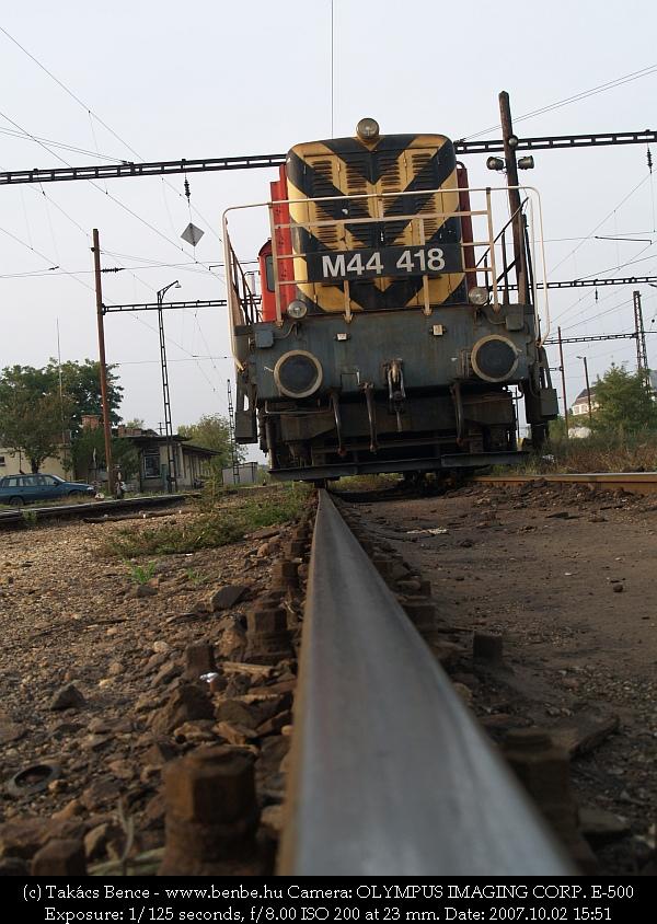 M44 418 a Soroksári út rendezõben fotó