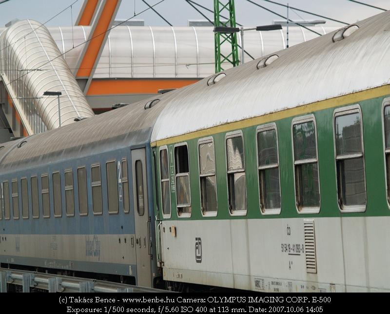 Szegedi IC-gyors vegyesvonat Ferihegyen fotó