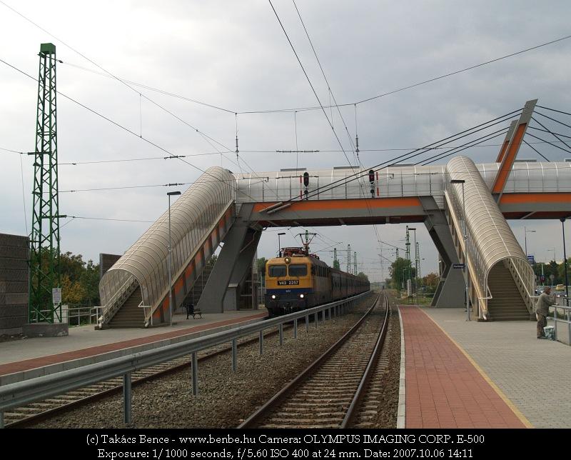 V43 2257 érkezik Ferihegyre fotó