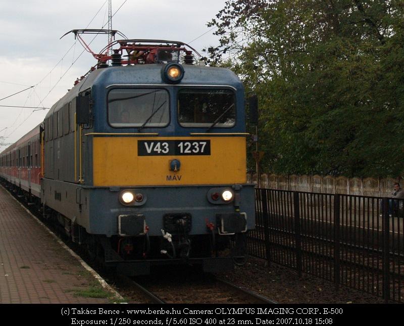 V43 1237 Budafok-Belvárosnál fotó
