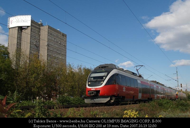 5342 002-2 Oroszlányba indul személyvonatával fotó