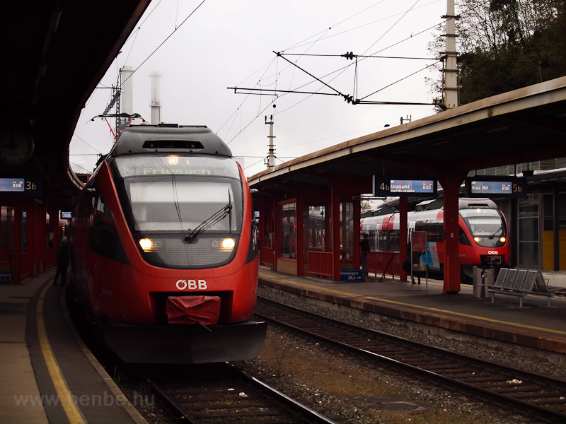 The ÖBB 4024 037 seen at Br picture