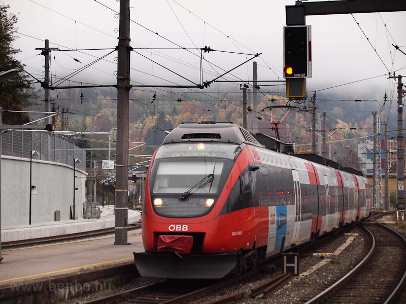 The ÖBB 4024 037 seen at Br photo