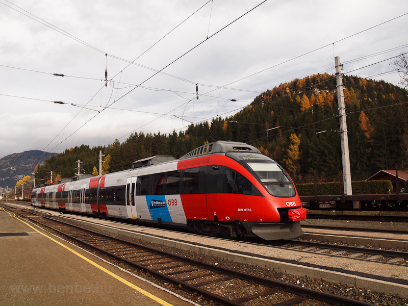 The ÖBB 4024 037 seen at Ma photo