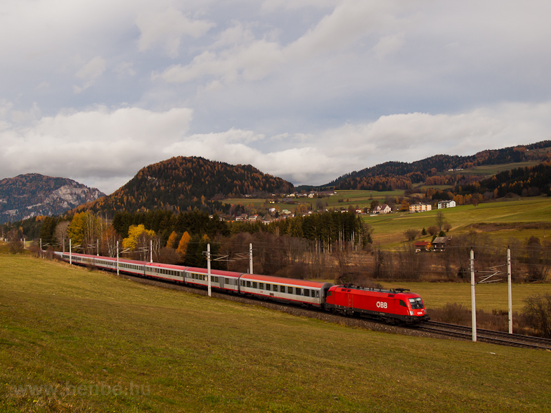 An unidentified ÖBB 1016 is picture