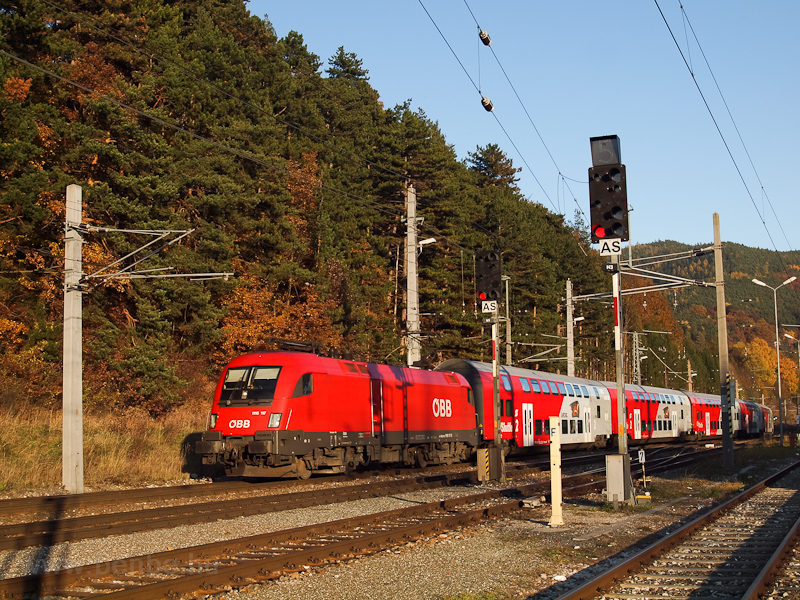 The ÖBB 1116 117 seen at Payerbach-Reichenau photo