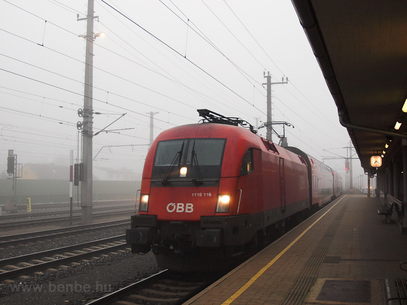 The ÖBB 1116 116 seen at Gl photo