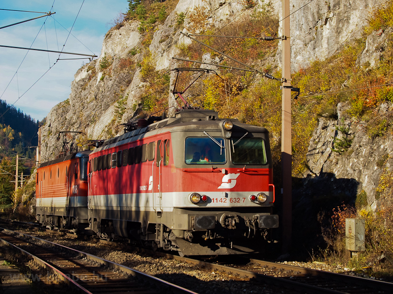 The ÖBB 1142 632-7 seen bet photo