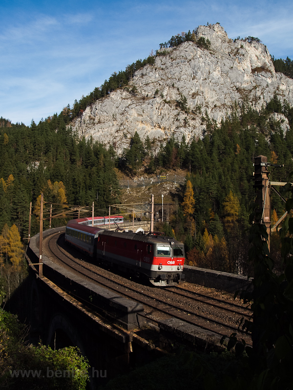 The ÖBB 1144 229 seen between Breitenstein and Wolfsbergkogel photo