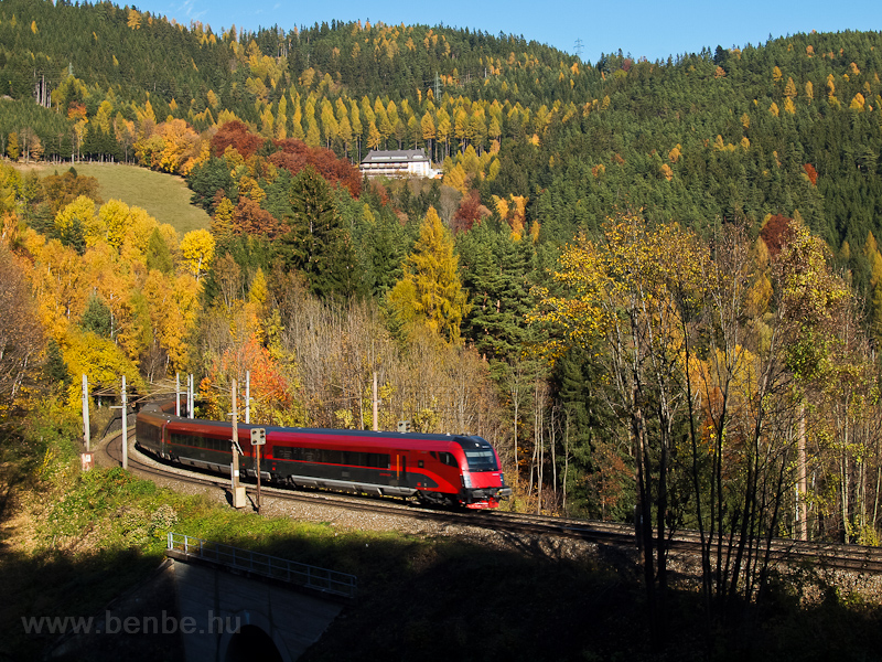 An ÖBB railjet trainset is seen between Klamm-Schottwien and Breitenstein photo