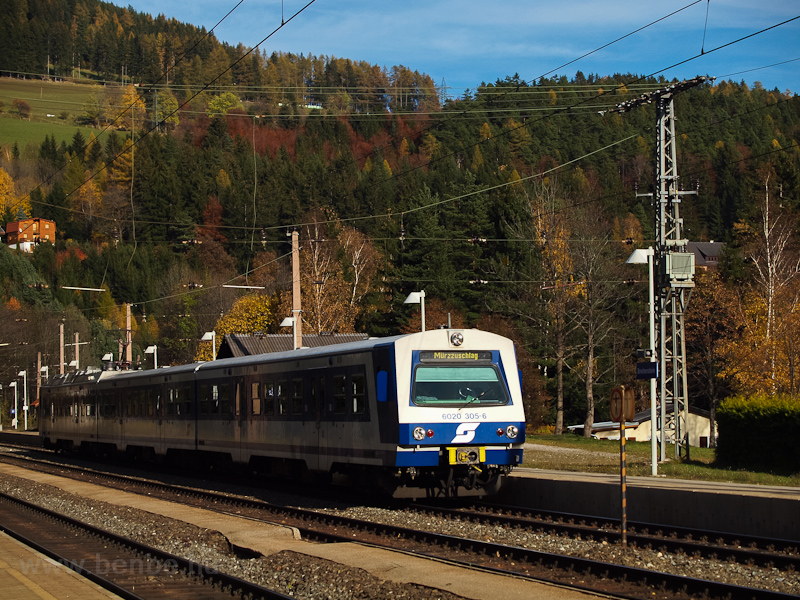 The ÖBB 6020 305 seen at Br photo