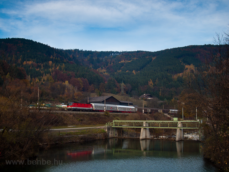 An ÖBB 1144 seen near a dam photo