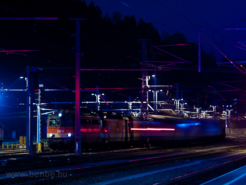 The ÖBB 1142 639-2 seen at Mürzzuschlag photo