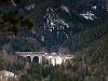 A másik kilátóból: dupla Wiener Lokalbahnen Taurus által vont tehervonat a Kalte Rinne-Viadukton