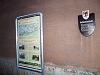 A Schwarzatal-Viadukt pillére alatti információs tábla