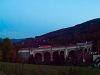 Autószállító kocsikat is továbbító IC-vonat 1144-essel a Semmeringen, a Schwarzatal-Viadukton