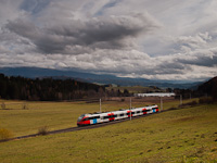 The ÖBB 4024 037-6 seen between Neumarkt in Steiermark and Mariahof-St. Lambrecht