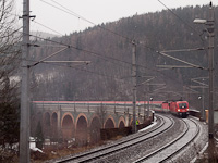 The ÖBB 1116 117-1 seen between Küb and Payerbach-Reichenau