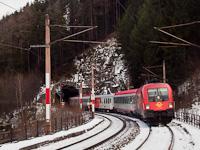 A GYSEV 1116 058-7 Wolfsbergkogel megállóhelyen a Kartnerkogel-Tunnel és a Kartnerkogel-Viadukt között
