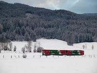 Az STLB Murtalbahn VT33-VS44 pályaszámú szerelvénye Lutzmannsdorf és Kreischberg Talstation között