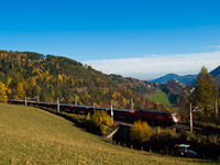 An �BB Taurus is seen hauling a freight train between Klamm-Schottwien and Breitenstein