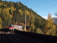 The ÖBB 1144 119 seen between Klamm-Schottwien and Breitenstein on the Gamperlgraben-Viadukt