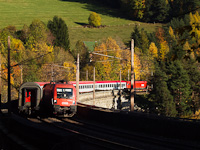The ÖBB 1116 066-0 seen between Klamm-Schottwien and Breitenstein on the Wagnergraben-Viadukt