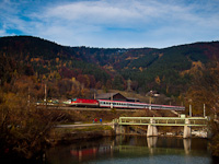 An ÖBB 1144 seen near a dam on the section between Gloggnitz and Schlöglmühl