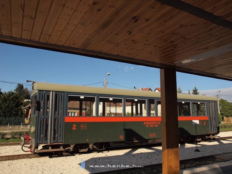 M 06-401 Kismaros állomáson fotó