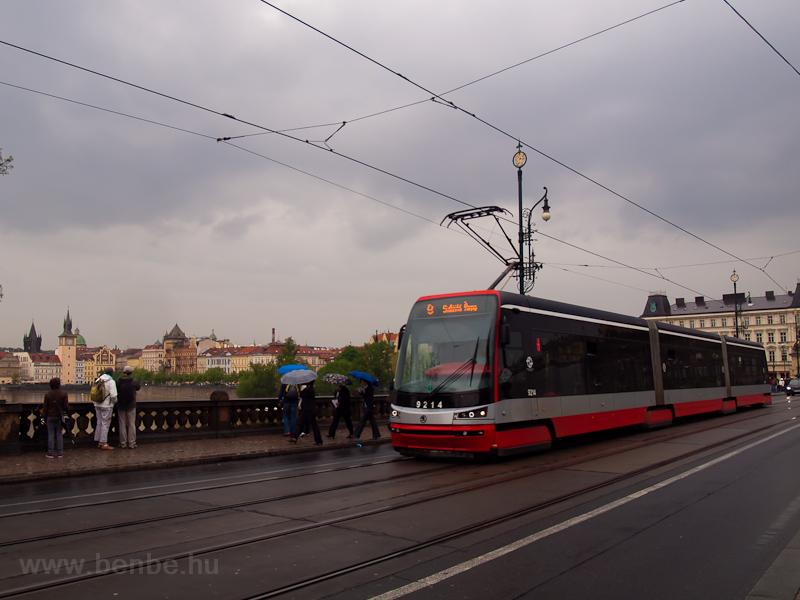 A 9214-es Škoda 15T a  fotó