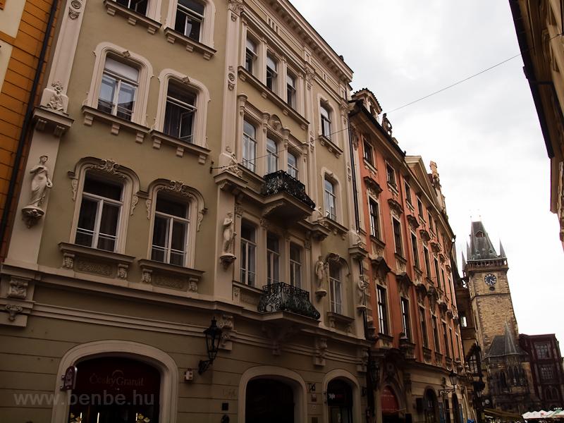 Prága - házak az Óvárosi tér közelében (Staromestské námestí) fotó
