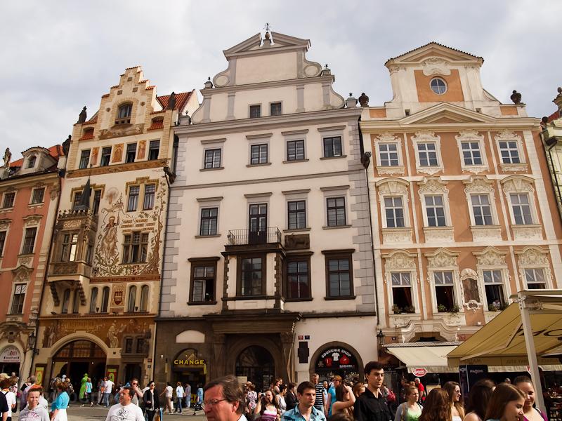 Prága - ház az Óvárosi téren (Staromestské námestí) fotó