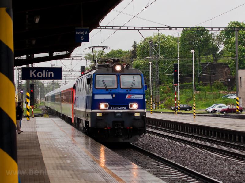 A PKP IC EP09-028 a Praha E fotó