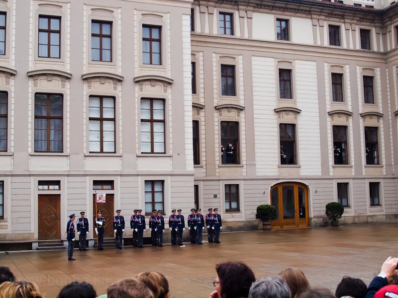Prága - Őrségváltás fotó