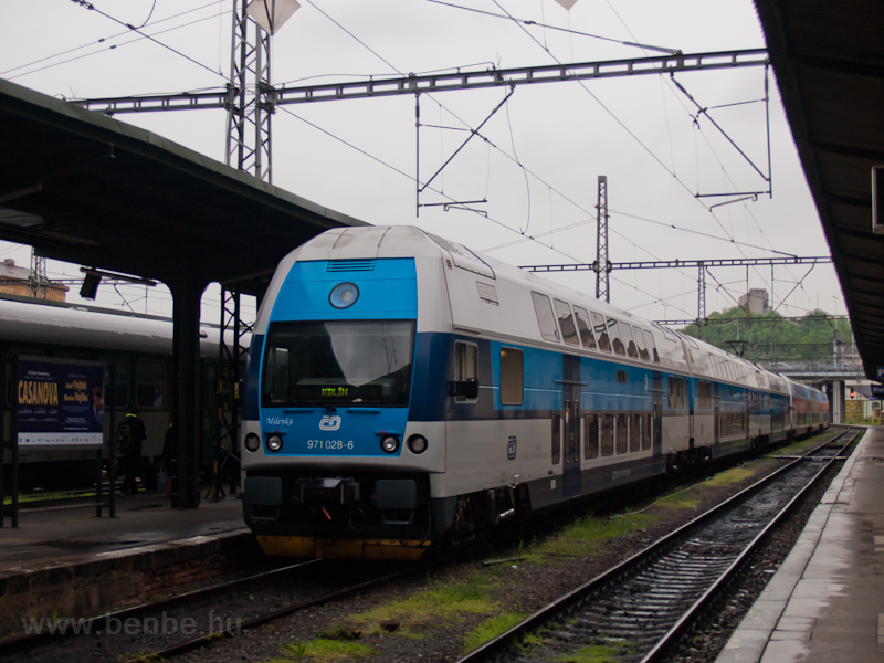 A ČD 971 028-6 / 471 028-1  Milenka  Prága Masarykovo állomáson fotó