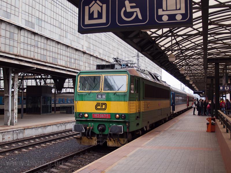 A ČD 163 063-1 Praha hlavní nádražín fotó