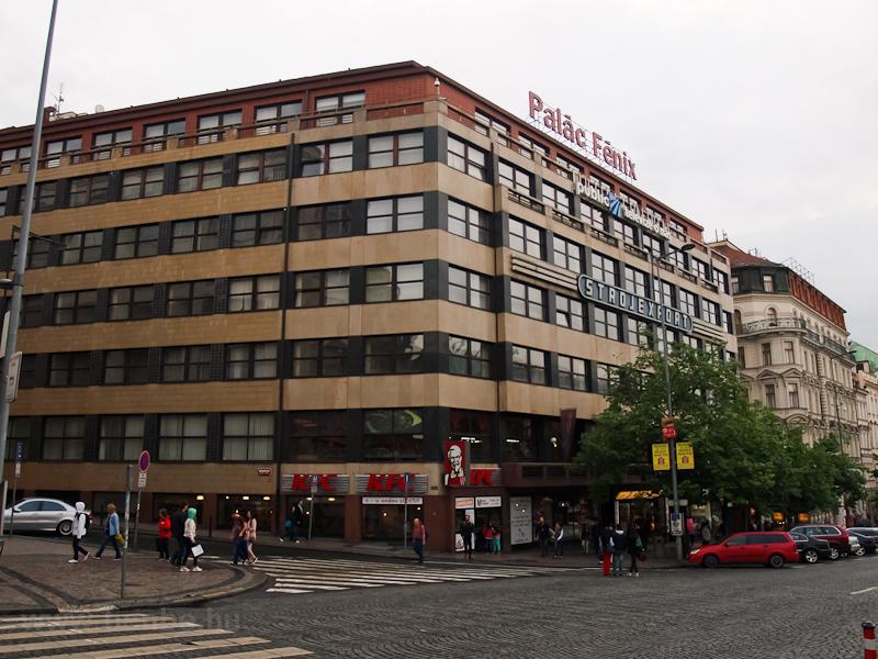 A Vencel tér egyik háza fotó