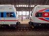 A ČD 971 007-0 és a 971 049-2 Praha hlavní nádražín