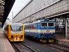 A ČD 362 053-1 és a 814 221-8 Praha hlavní nádražín
