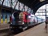 Az ÖBB 1216 229 <q>railjet</q> Praha hlavní nádražín
