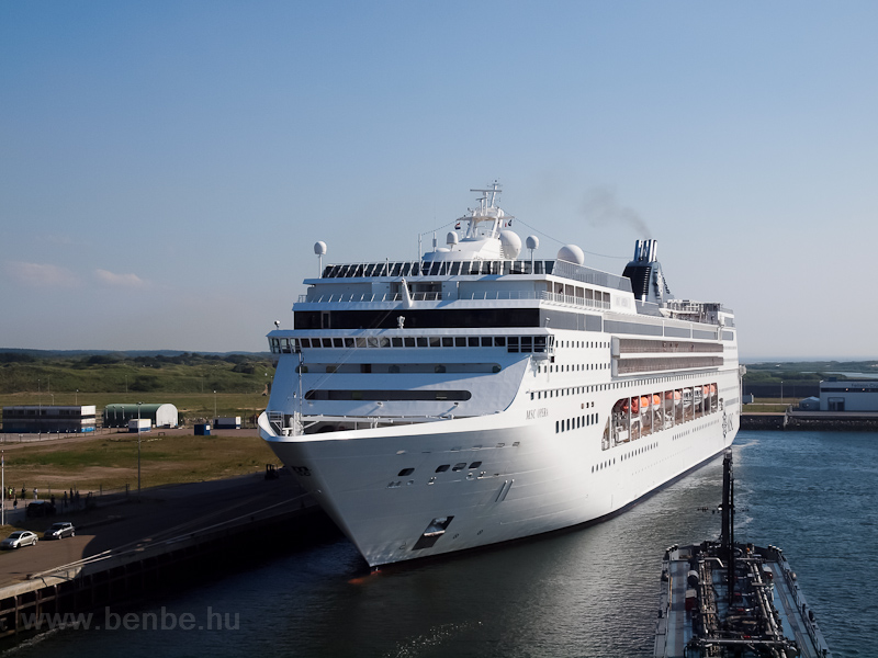 Amsterdam port: the MSC Ope picture