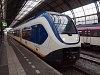 A 2631 pályaszámú hatrészes (Siemens S100) Sprinter LighTTrain Amsterdam Centraal állomáson