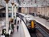 29-es vonal rajongók, fölismeritek? A First ScotRail 380 109 pályaszámú Desiro.UK villamos motorvonata Edinburgh Waverley állomáson