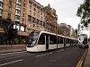 Villamos és modern emeletes busz Edinburghben