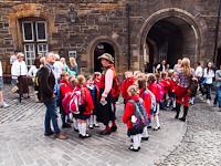 Sk�t di�kok l�togat�ban Edinburgh Castle-ben